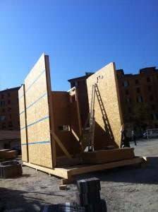 Telaio in legno durante l'avanzamento del cantiere
